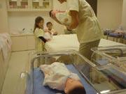 キッザニア『病院』の応急処置の風景