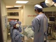 キッザニア『病院』の救急救命の風景