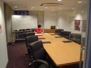 キッザニア『ビジネススクール』のお部屋の風景