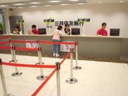 キッザニア『銀行』のキッゾ貯金をしている風景です