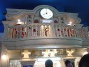 キッザニア『街時計』のからくり時計の写真